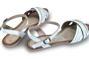 """kožená a atestovaná obuv Páskové sandálky Empire s otevřenou špičkou ,,peep toe"""" , bílá Bueno"""
