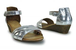 """kožená a atestovaná obuv Páskové sandálky Haven s otevřenou špičkou ,,peep toe"""" na klínu, stříbrné, zlaté Bueno"""