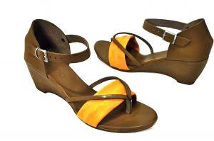kožená a atestovaná obuv Páskové sandálky Zara na klínu, hnědo-oranžové Bueno