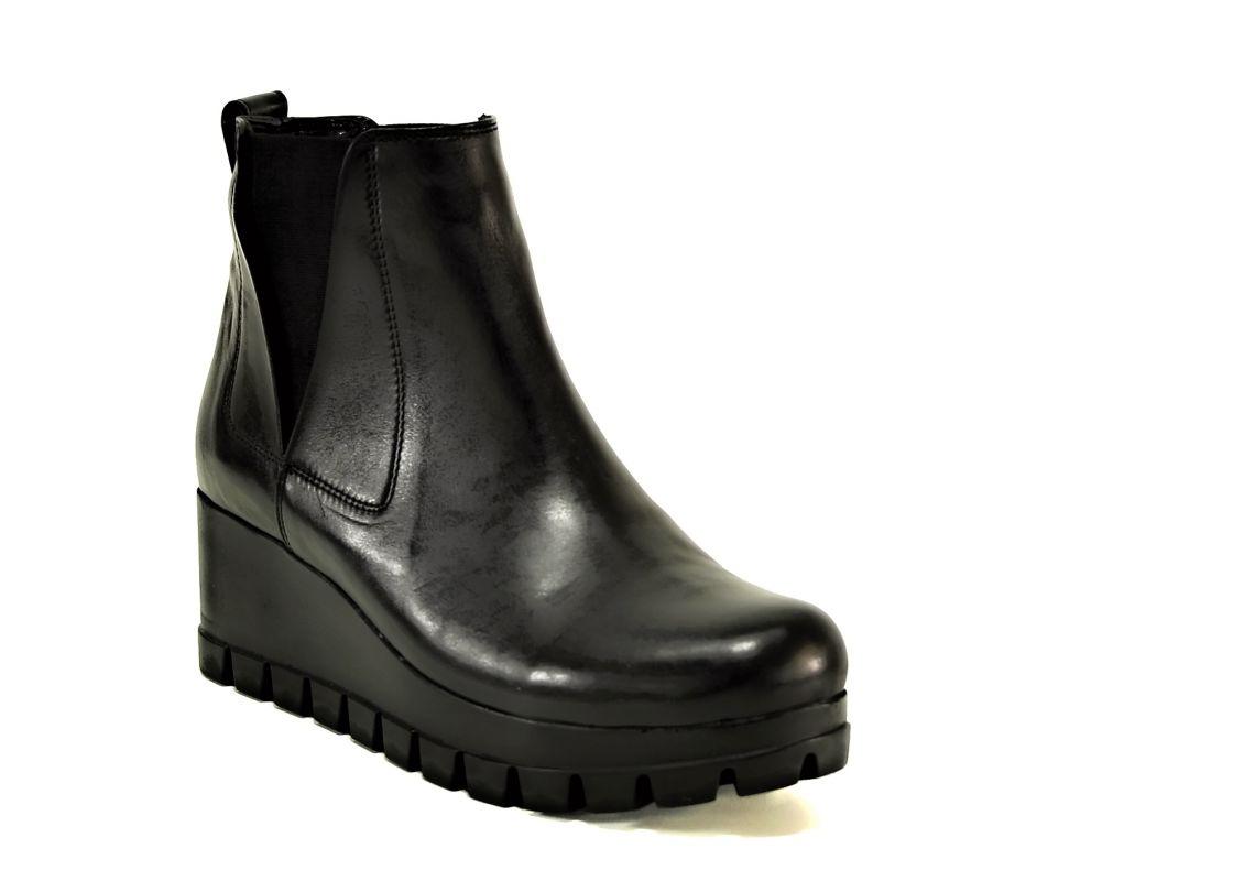 kožená a atestovaná obuv Kožené nazouvací botky Salva 169