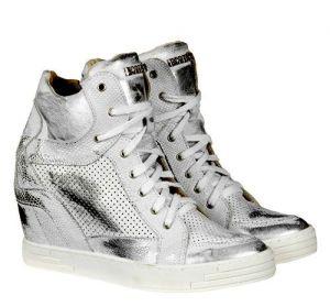 """kožená a atestovaná obuv Sneakersy 474 s perforací ,, tečkování """" na skrytém klínu , bilé Roberto"""