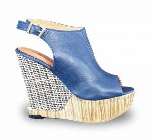 kožená a atestovaná obuv Páskové kožené sandálky Marcella 1702 na klínu různé barvy