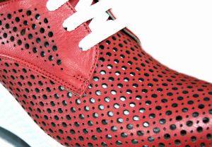 """kožená a atestovaná obuv Kožené boty na klínku120 s perforací ,, dírkování O """", červené Zoro venti"""