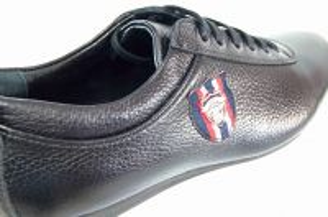 kožená a atestovaná obuv Pánské černé tenisky z hladké kůže Tetri