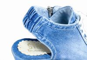 kožená a atestovaná obuv Riflové páskové sandálky 758 na klínu a platformě Starbluemoon