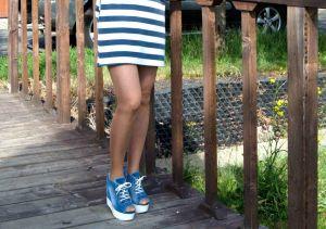 Riflové páskové sandálky 758 na klínu a platformě