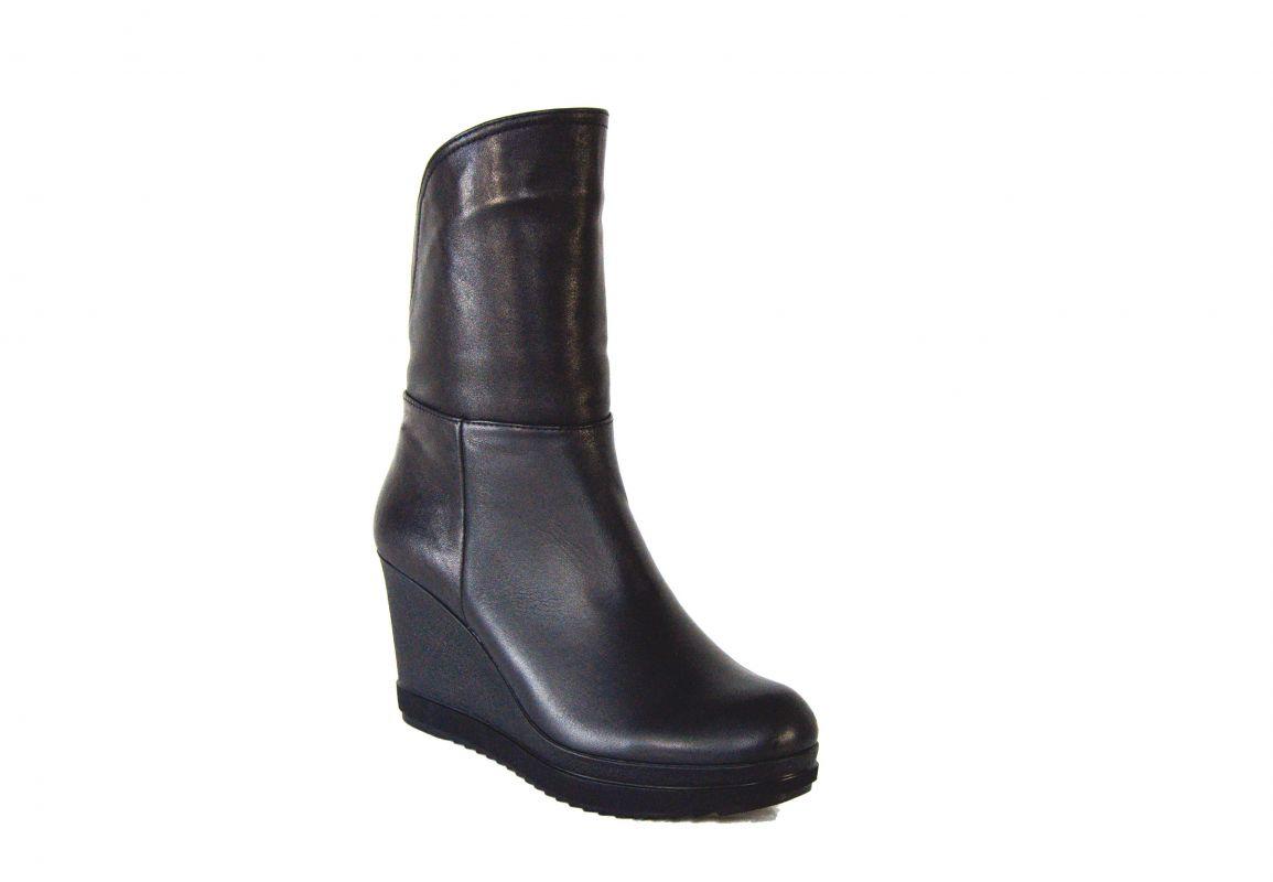 kožená a atestovaná obuv Zimní nízké kozačky M-21 na klínu,černé Carlo mussi