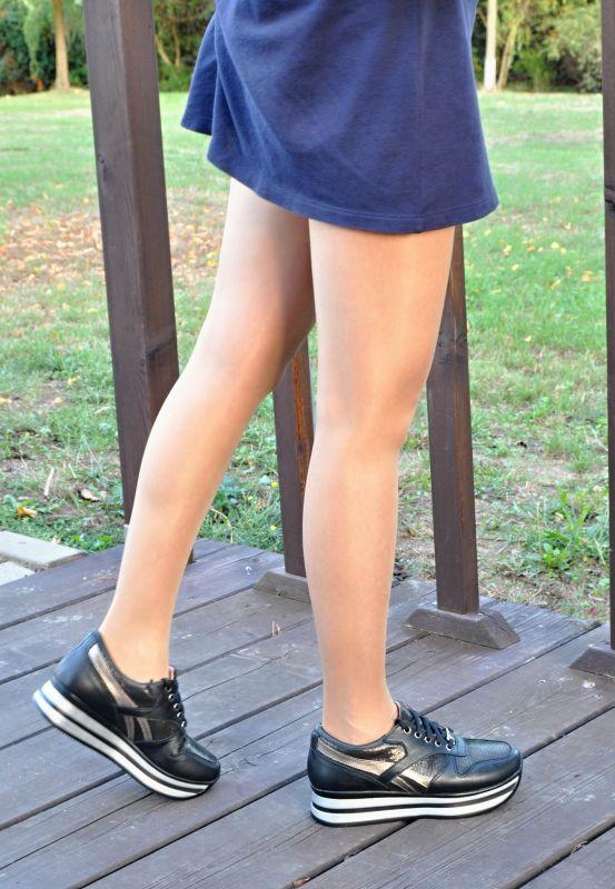 """kožená a atestovaná obuv Černé dámské tenisky """"Dessy """" na platformě """"100"""" s pruhovanou platformou"""