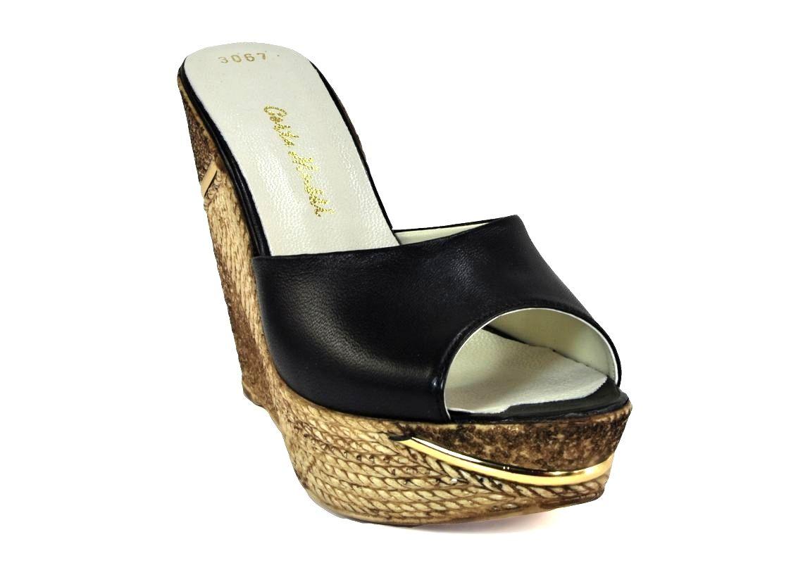 kožená a atestovaná obuv Kožené černé sandálky Corta Mussi 3067 klínu
