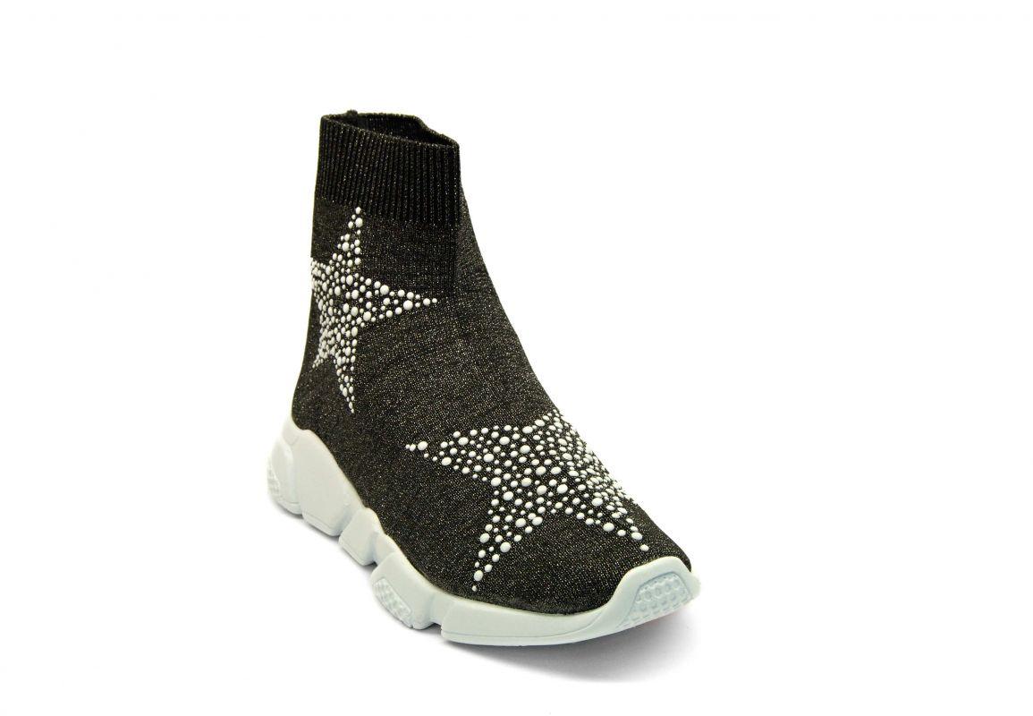 kožená a atestovaná obuv Kotníčkové boty z černo stříbřitého textilu 13 s bílou podrážkou Marcella