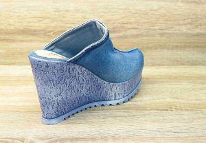 kožená a atestovaná obuv Riflové sandálky SIENA na klínu a platformě Starbluemoon