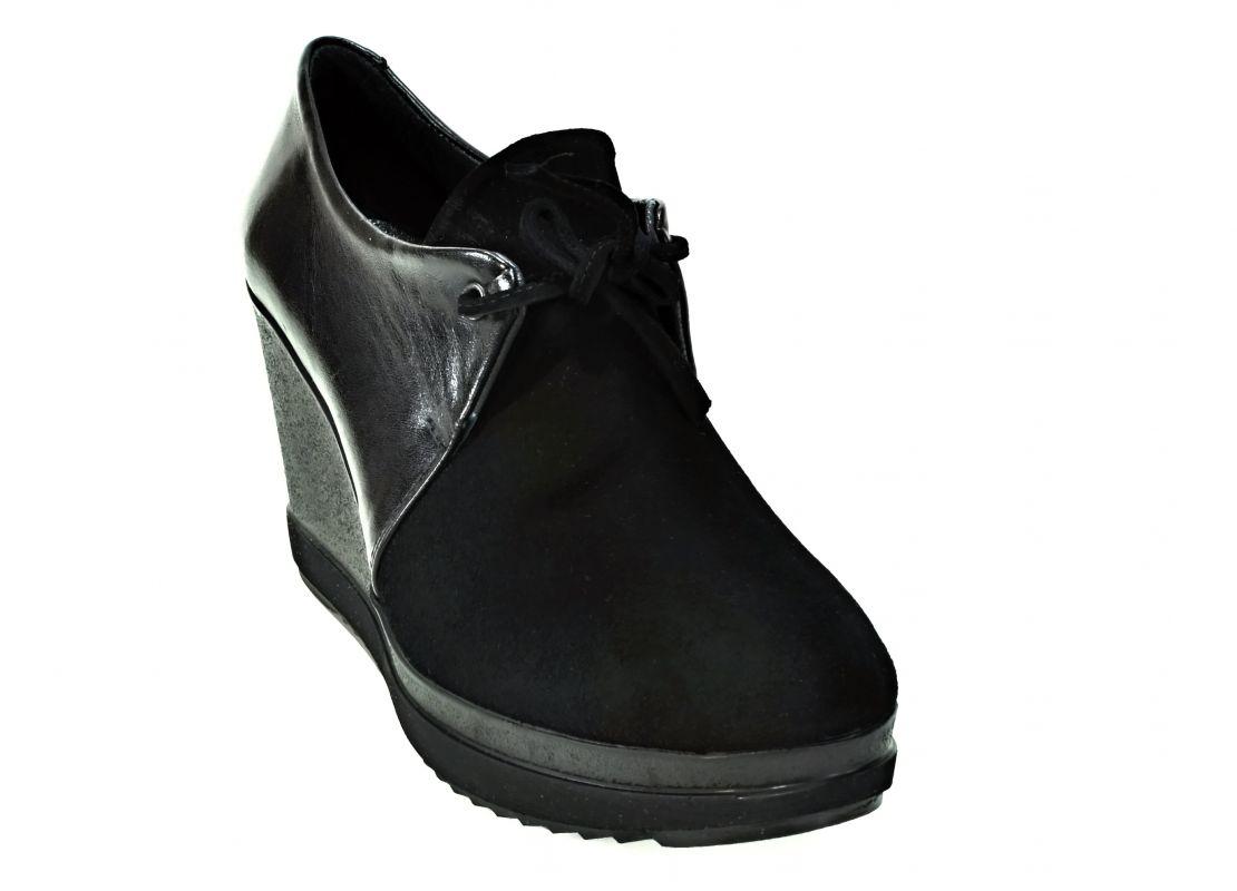 kožená a atestovaná obuv Kožené polobotky na klínku Corta Mussi 2310