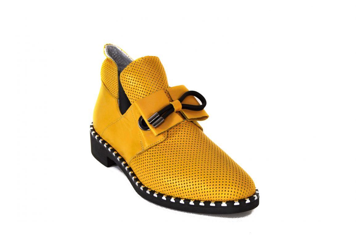 """kožená a atestovaná obuv Luxusní dámské polobotky """"MarcellaShoes"""" Z-102 s černou platformou, žluté"""
