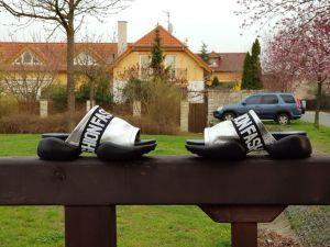 kožená a atestovaná obuv Luxusní kožené nazouváky s černou platformou 1313, stříbrné Marcella