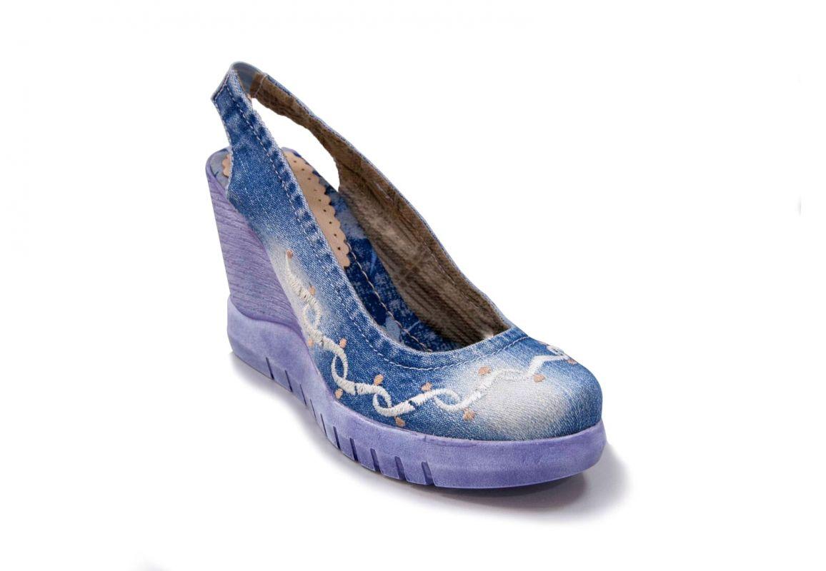 kožená a atestovaná obuv Riflové lodičky s volnou patou 7113 na klínovém podpatku Starbluemoon