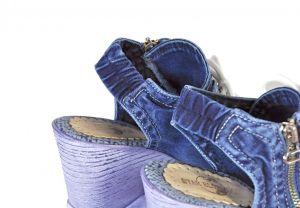 kožená a atestovaná obuv Riflové páskové sandálky 758BAG na klínu a platformě Starbluemoon