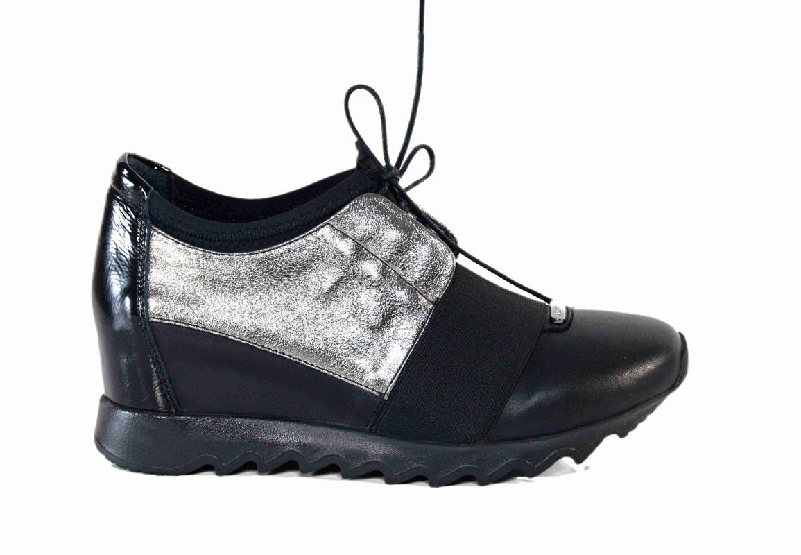 "kožená a atestovaná obuv Originální dámské polobotky ""Alpino"" 389, na klínku"