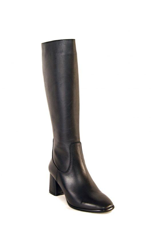 kožená a atestovaná obuv Černé kožené kozačky na podpatku, 247-01 Paloma