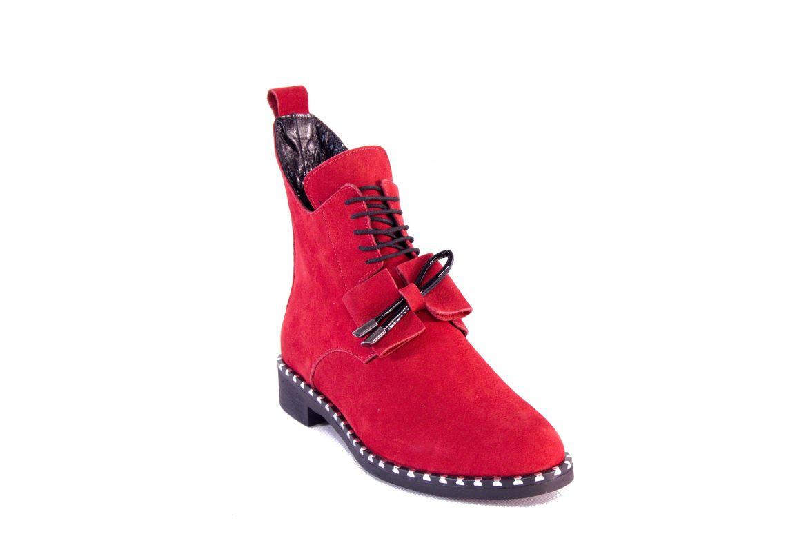 """kožená a atestovaná obuv Červené luxusní zimní kotníčkové boty, zdobené cvoky a mašličkou """"107"""" Marcella"""