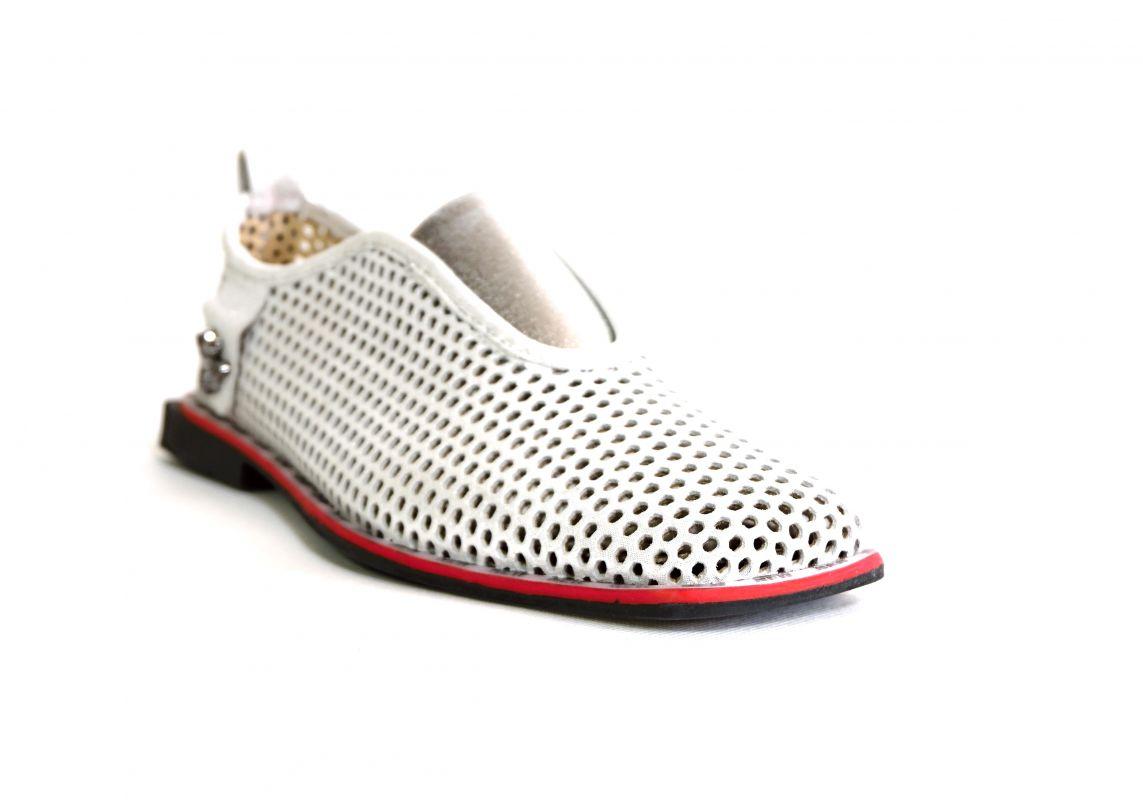 kožená a atestovaná obuv Stylové dámské mokasíny Marcella 302, stříbřitě bílé s červeno černou podešví