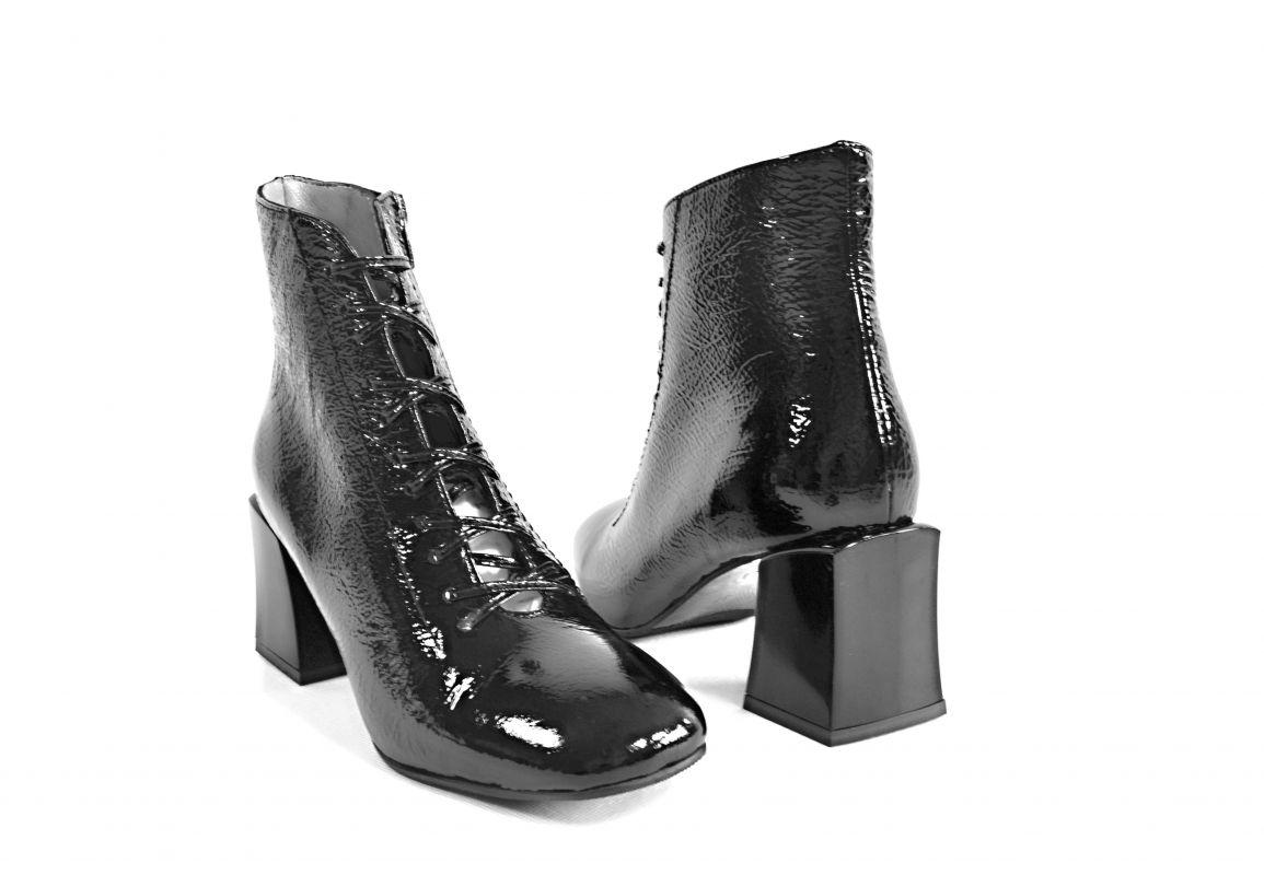 """kožená a atestovaná obuv Originální kotníčkové kožené boty """"7504"""" černé By Can Shoes"""