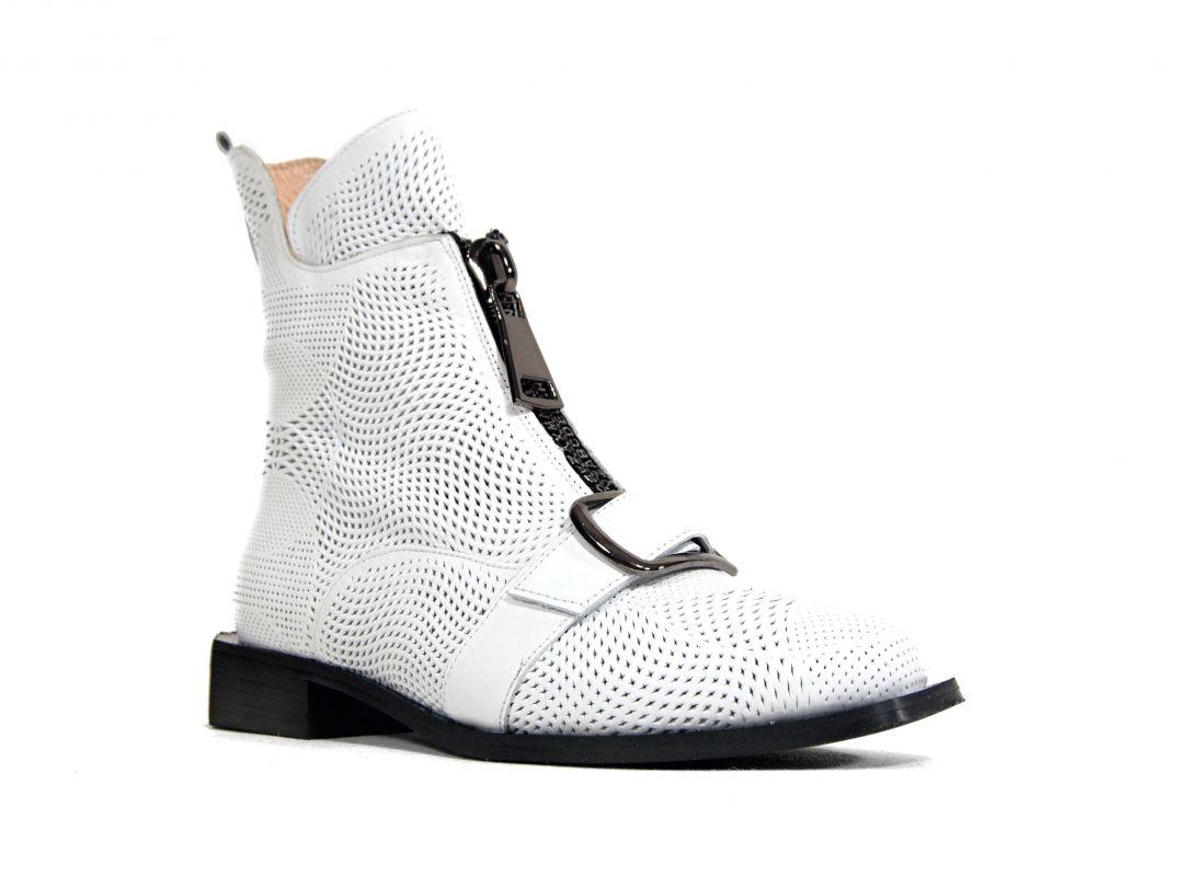 kožená a atestovaná obuv Bílé designové kotníkové boty kožené 127, perforované, Basile