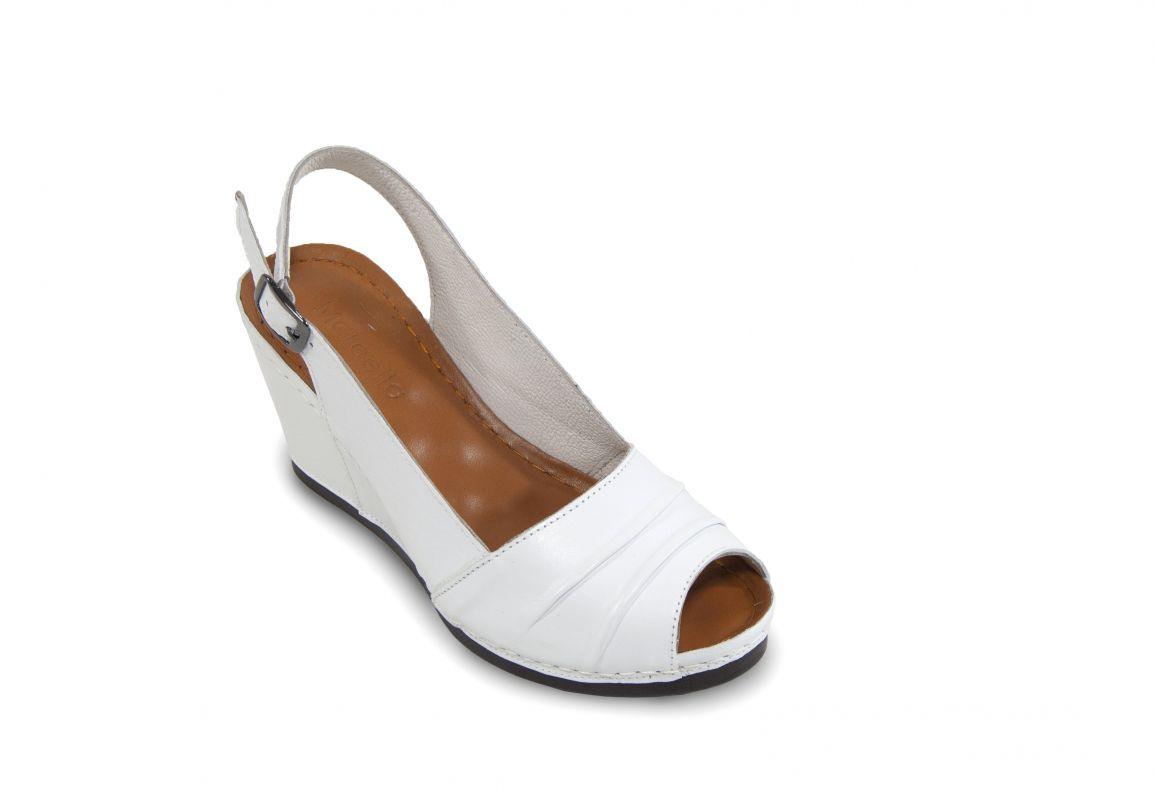 kožená a atestovaná obuv Bílé módní sandálky 32.60-01 na klínu