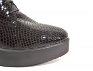 """kožená a atestovaná obuv Luxusní zimní kotníkové boty 1623 tzv. ,,hadí kůže"""", černé Marcella"""