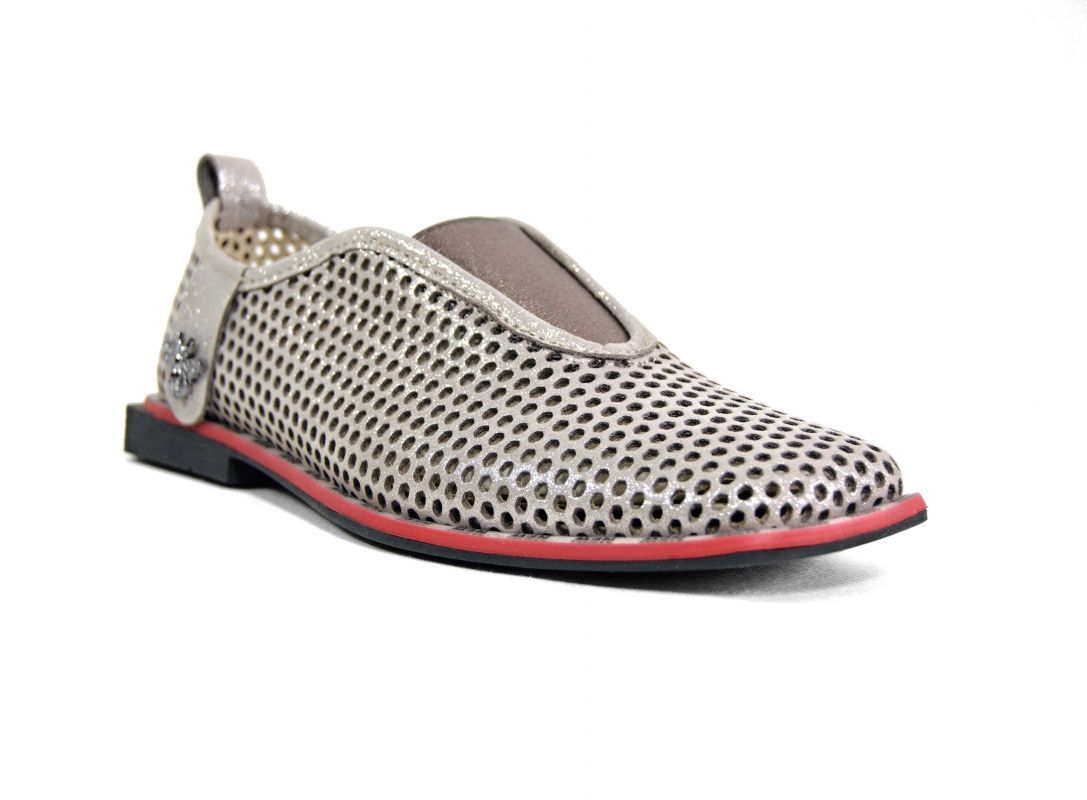 kožená a atestovaná obuv Stylové dámské mokasíny Marcella 302, bezové bílé s červeno černou podešví