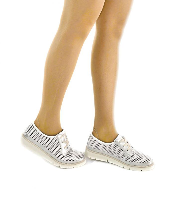 kožená a atestovaná obuv Stylové dámské polobotky ALPINO 20YA-542, bílo stříbrné a bílou podešví