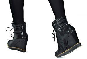 kožená a atestovaná obuv Lakované sneakersy 402 na skrytém klínu, černé Roberto