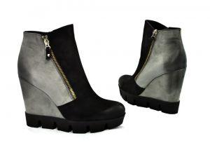 kožená a atestovaná obuv Zimní kotníkové boty na klínku B.2942, šedo černé CARINII
