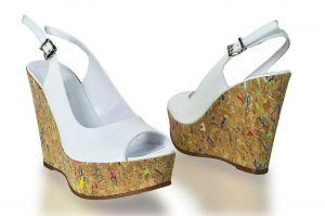kožená a atestovaná obuv Páskové sandálky Marcelle 2072 na klínu, bílé